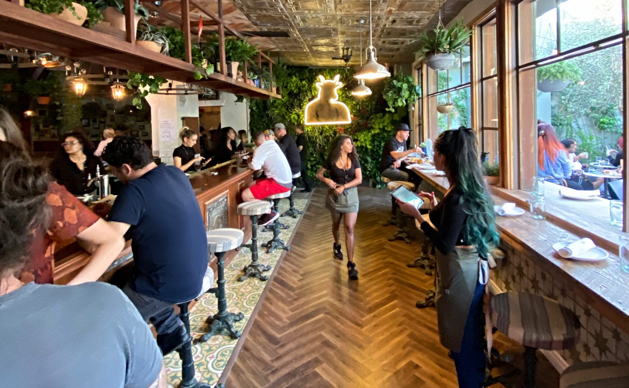 Here's how Lowell Cafe is able to make the cannabis restaurant business model work.