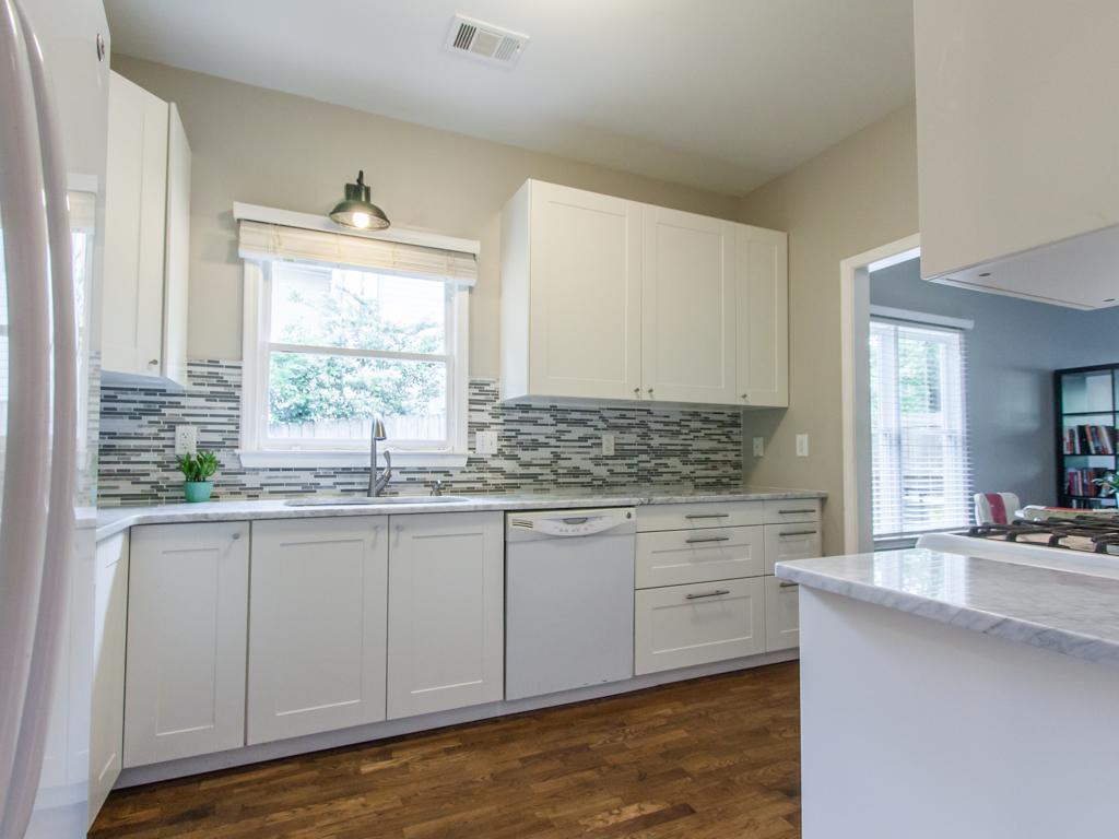 2089 College-Kitchen 2.jpg