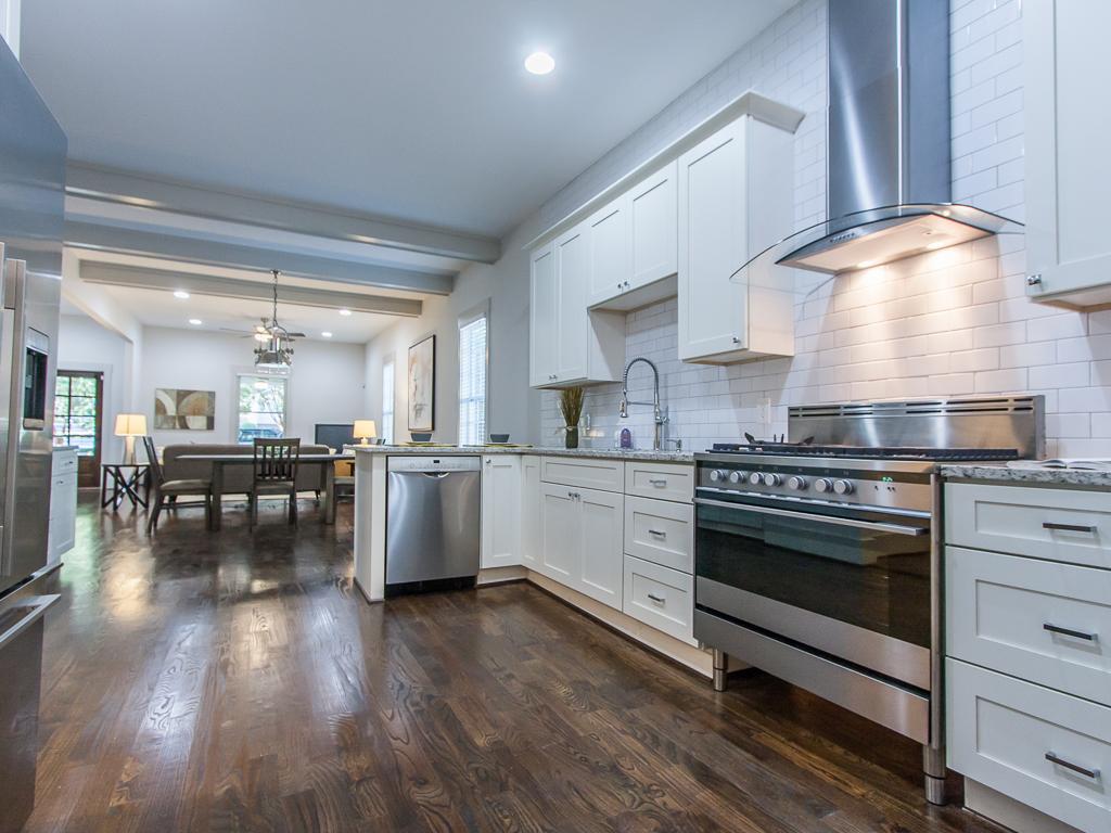 174 Flat Shoals-Kitchen 4.jpg