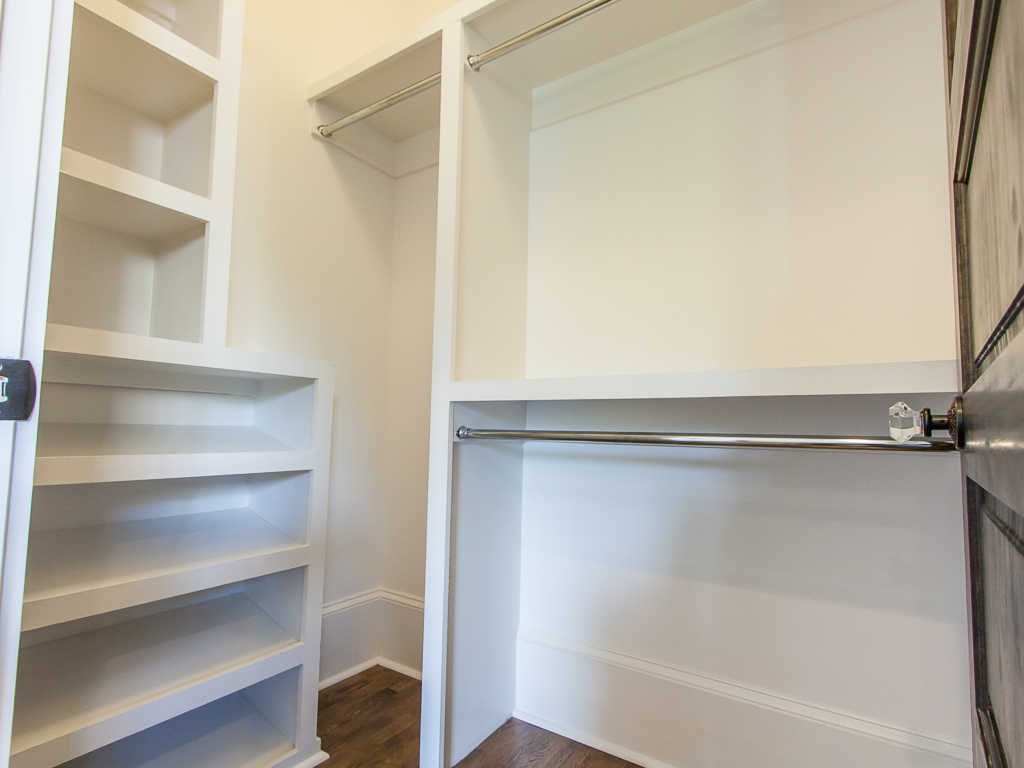 142 Adams-Master closet.jpg