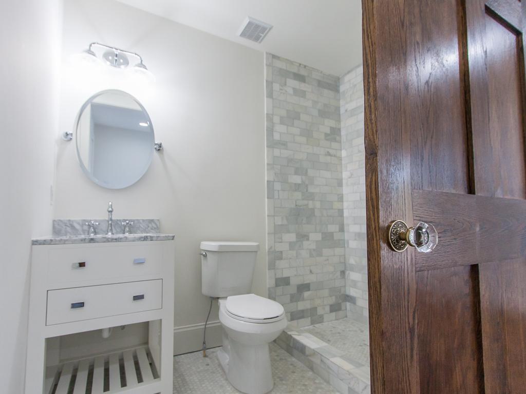 220 Warren-Master Bath-Sliding Door.jpg
