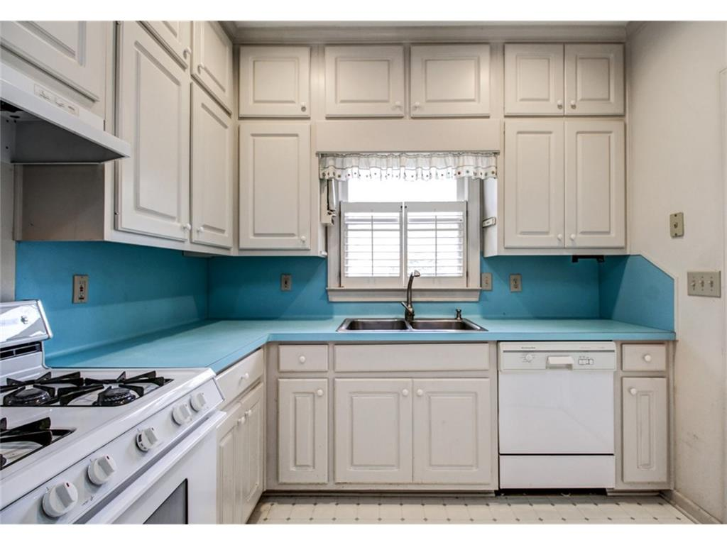 165 Mount Vernon BEFORE - Kitchen up 2.jpeg