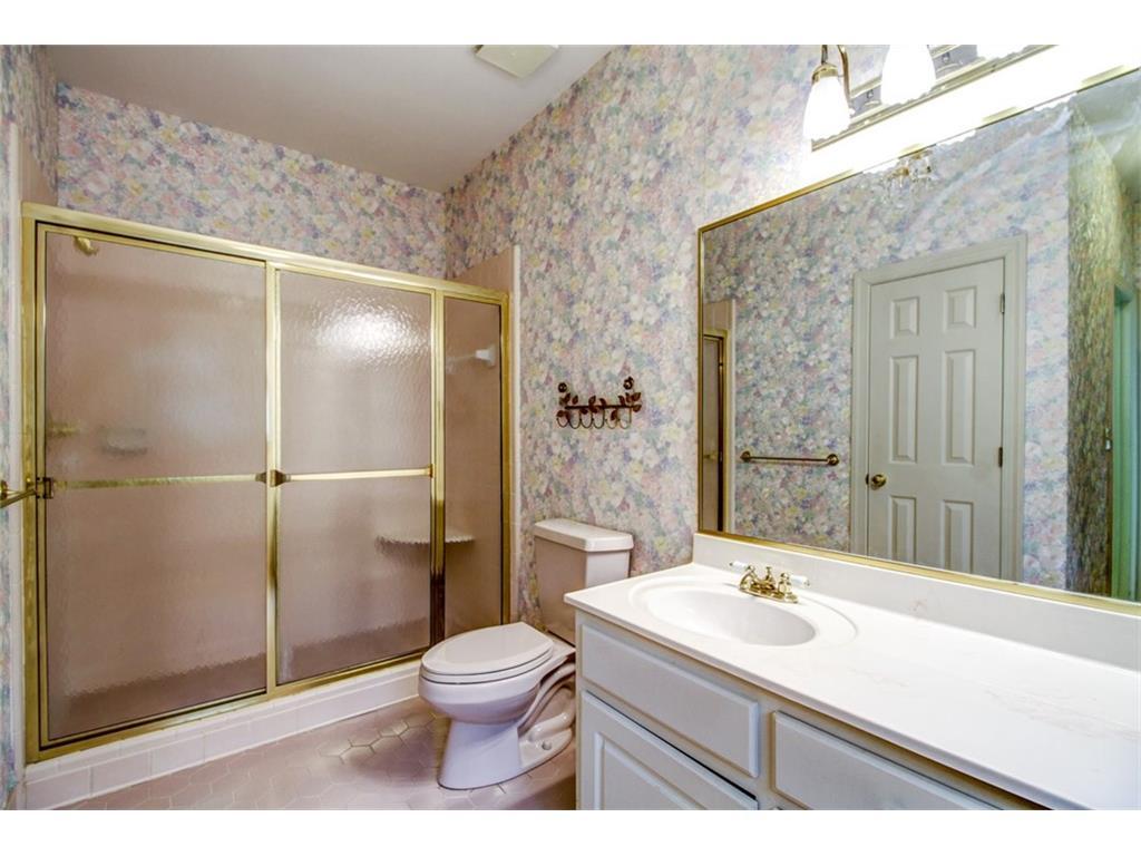 165 Mount Vernon BEFORE - Master bath.jpeg
