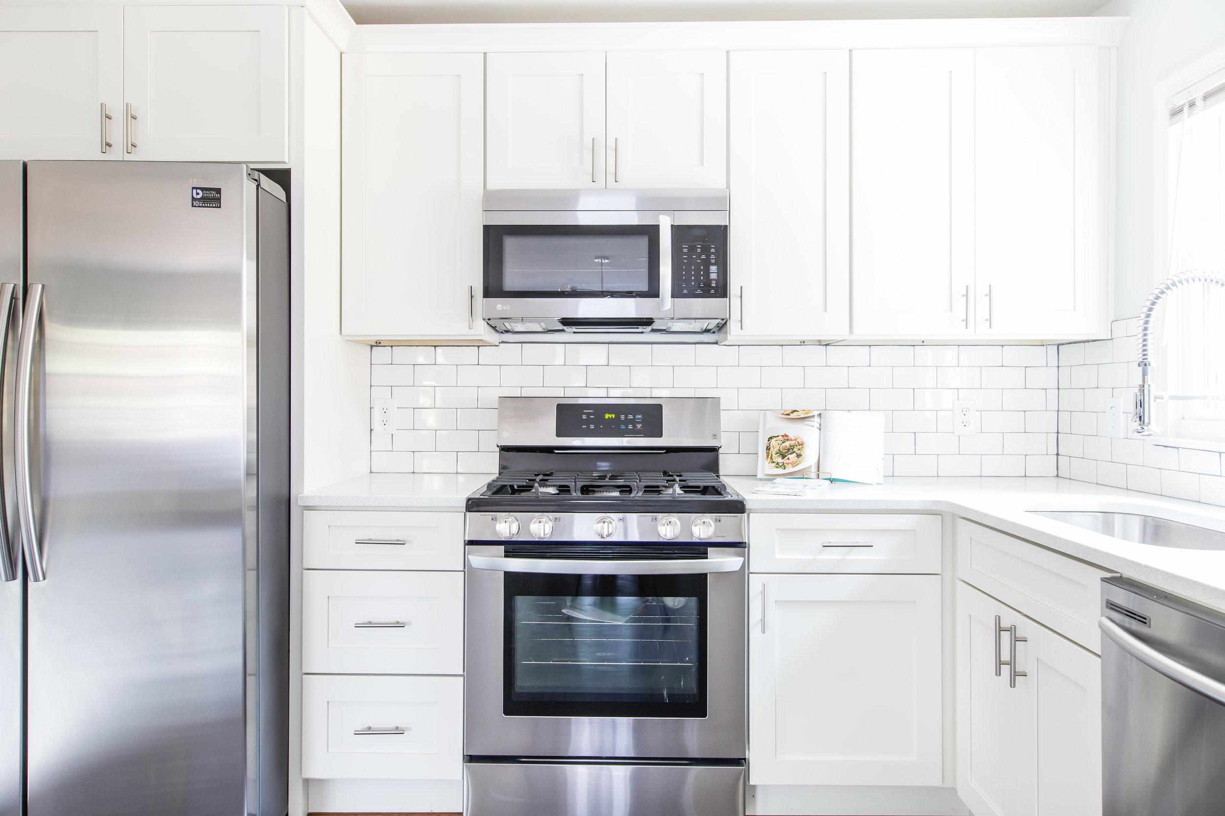 3220 Ardley-Kitchen Stove.jpg