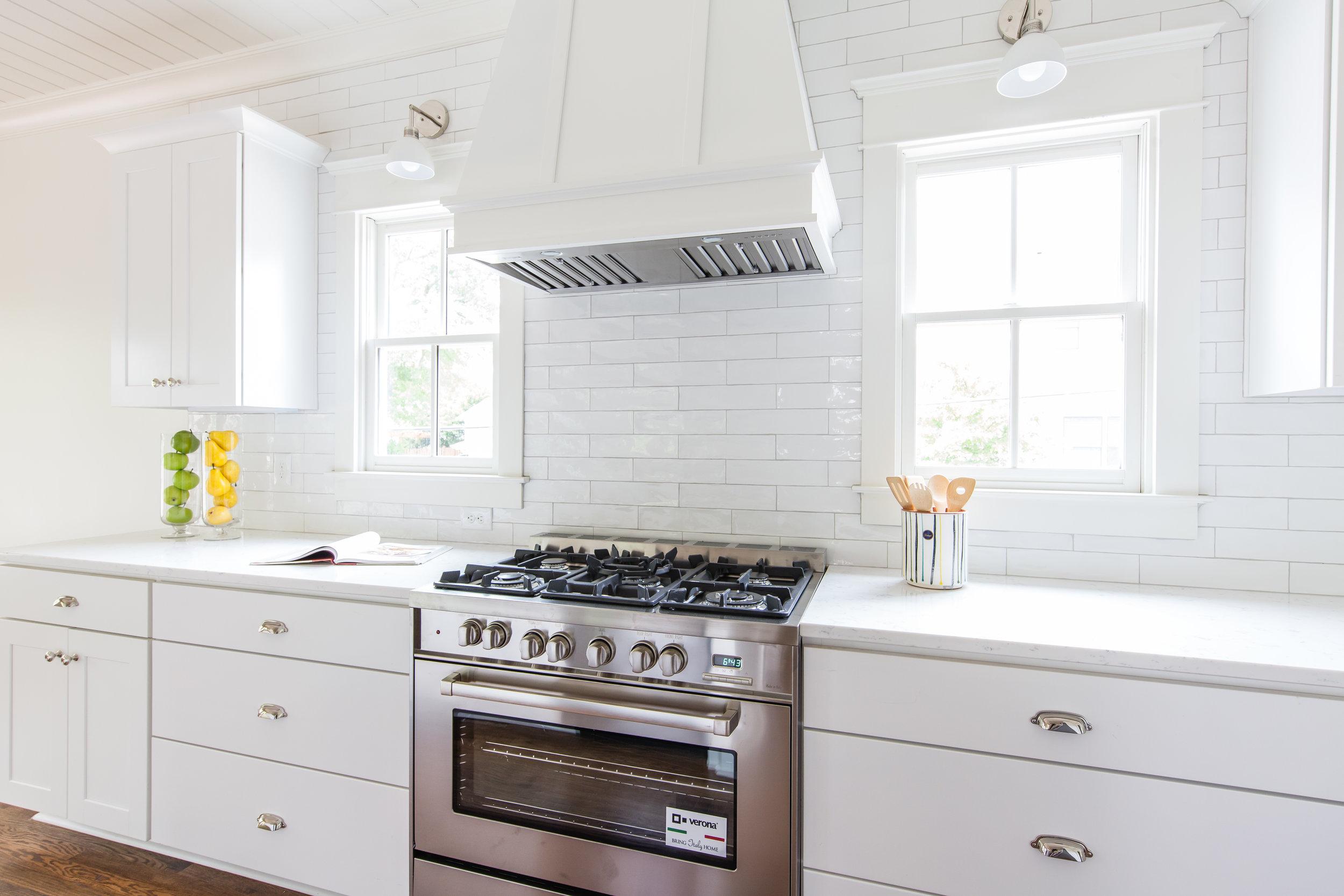 303 Melrose-Kitchen Stove.jpg