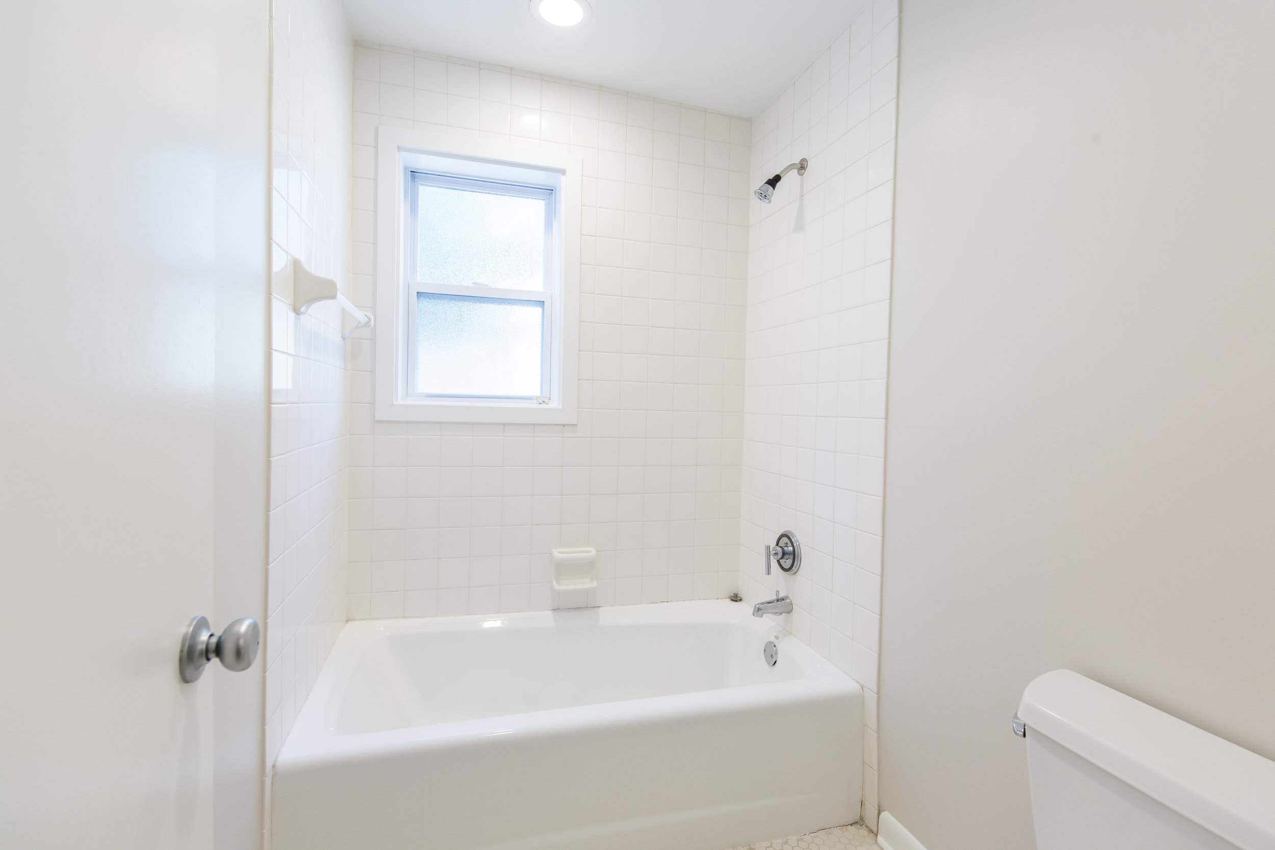 575 Flat Shoals Unit 9-Bath Shower.jpg