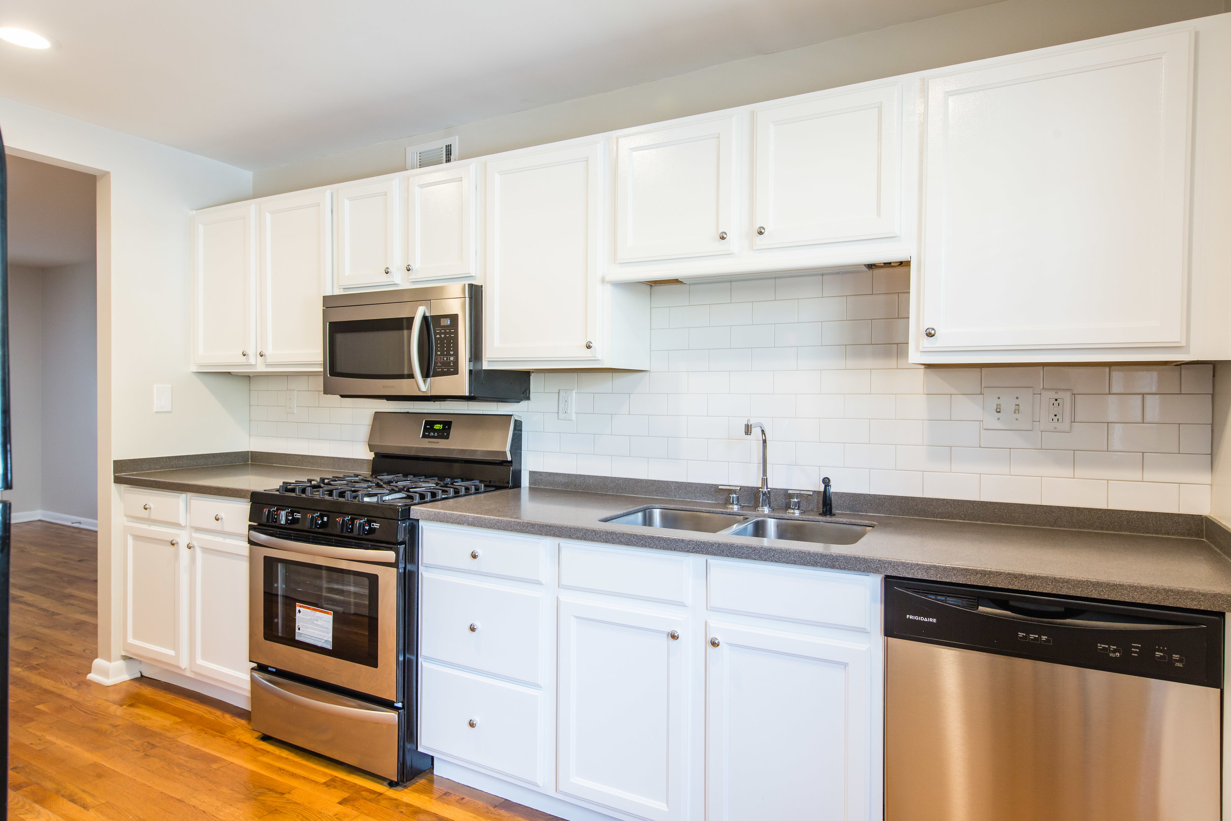 575 Flat Shoals Unit 9-Kitchen 2a.jpg