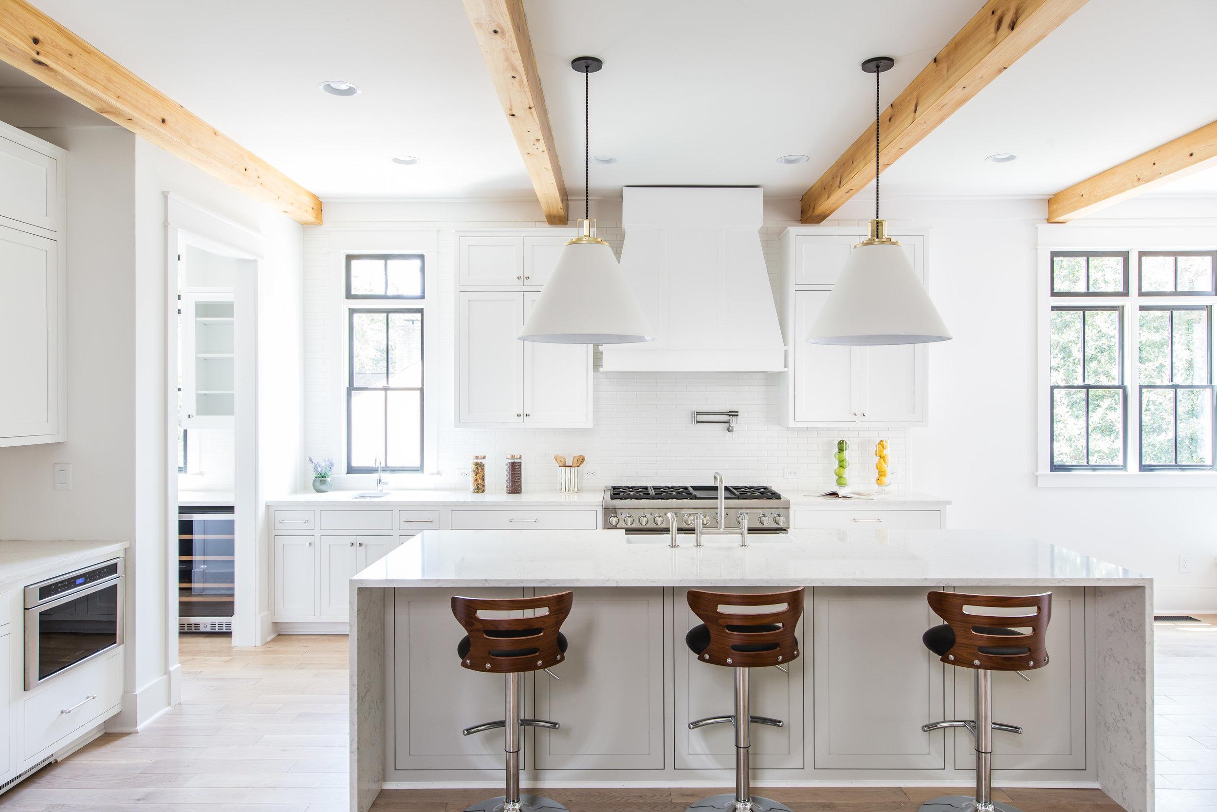 726 Hillpine-Kitchen 2.jpg