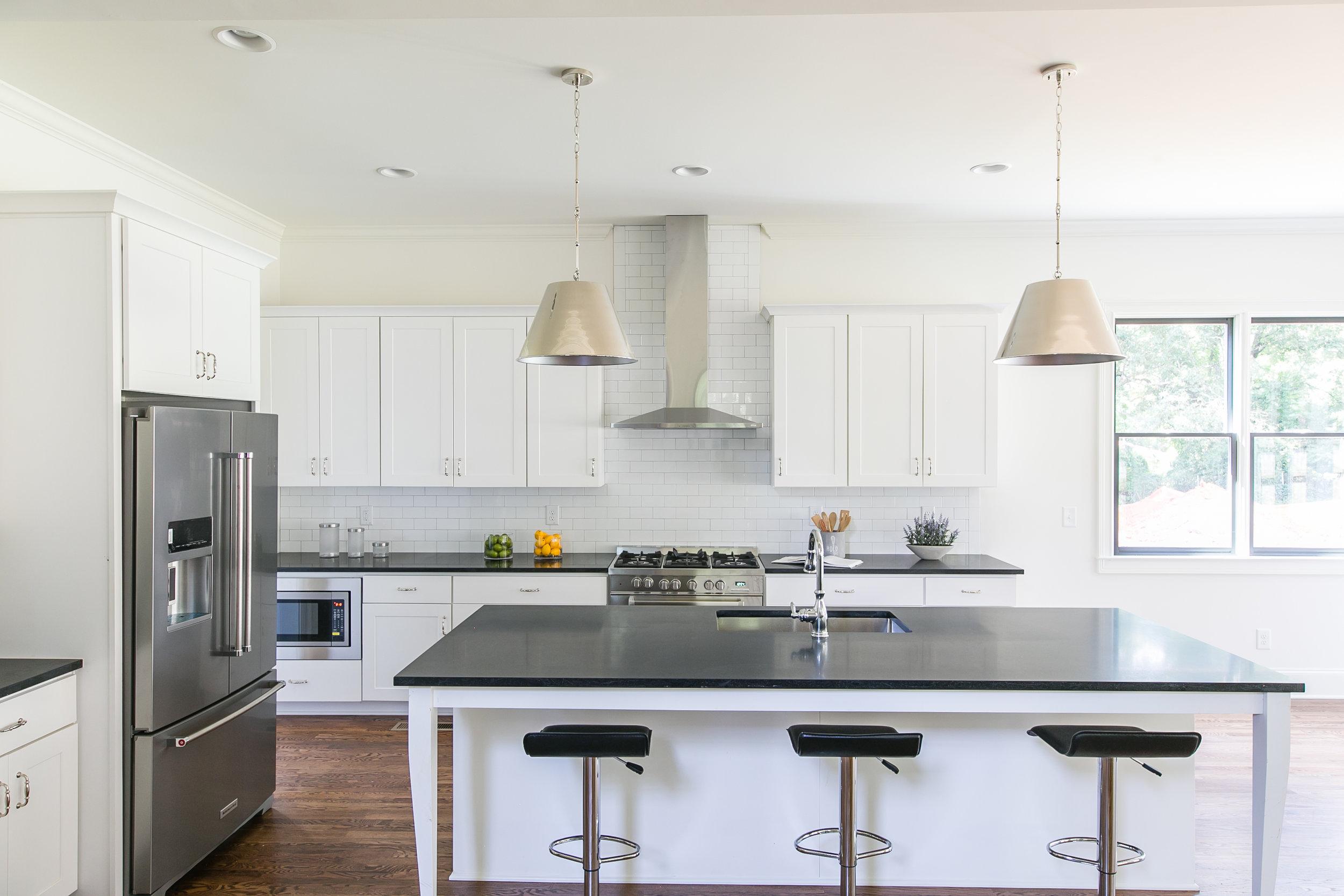 224 Rockyford-Kitchen 1.jpg