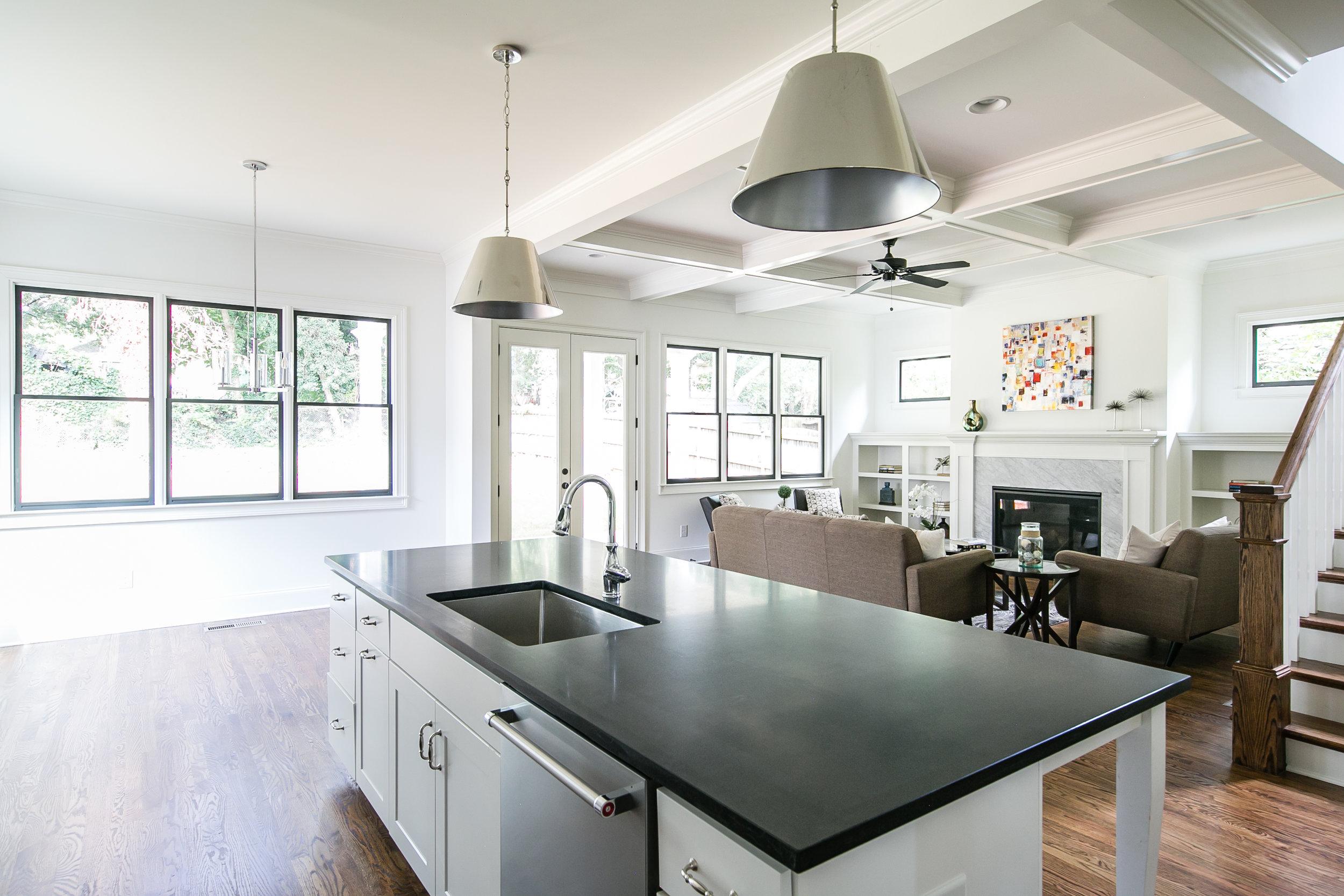 224 Rockyford-Kitchen 3.jpg