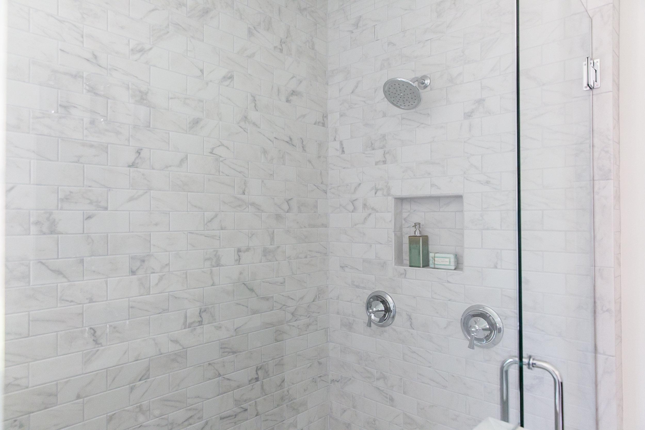 224 Rockyford-Master Shower.jpg