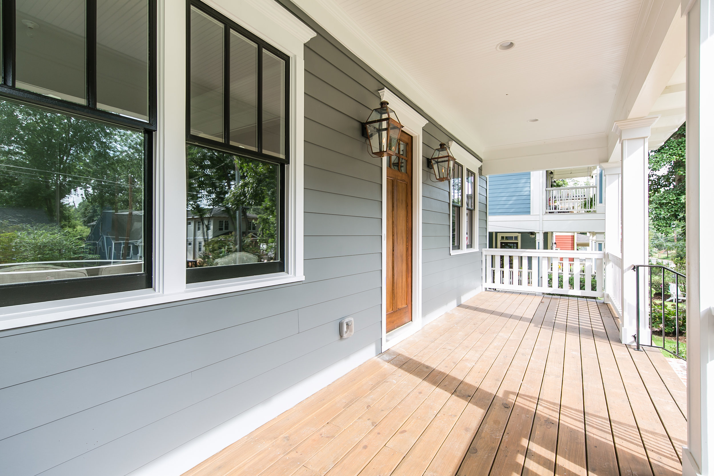 909 3rd Ave-Front Porch.jpg