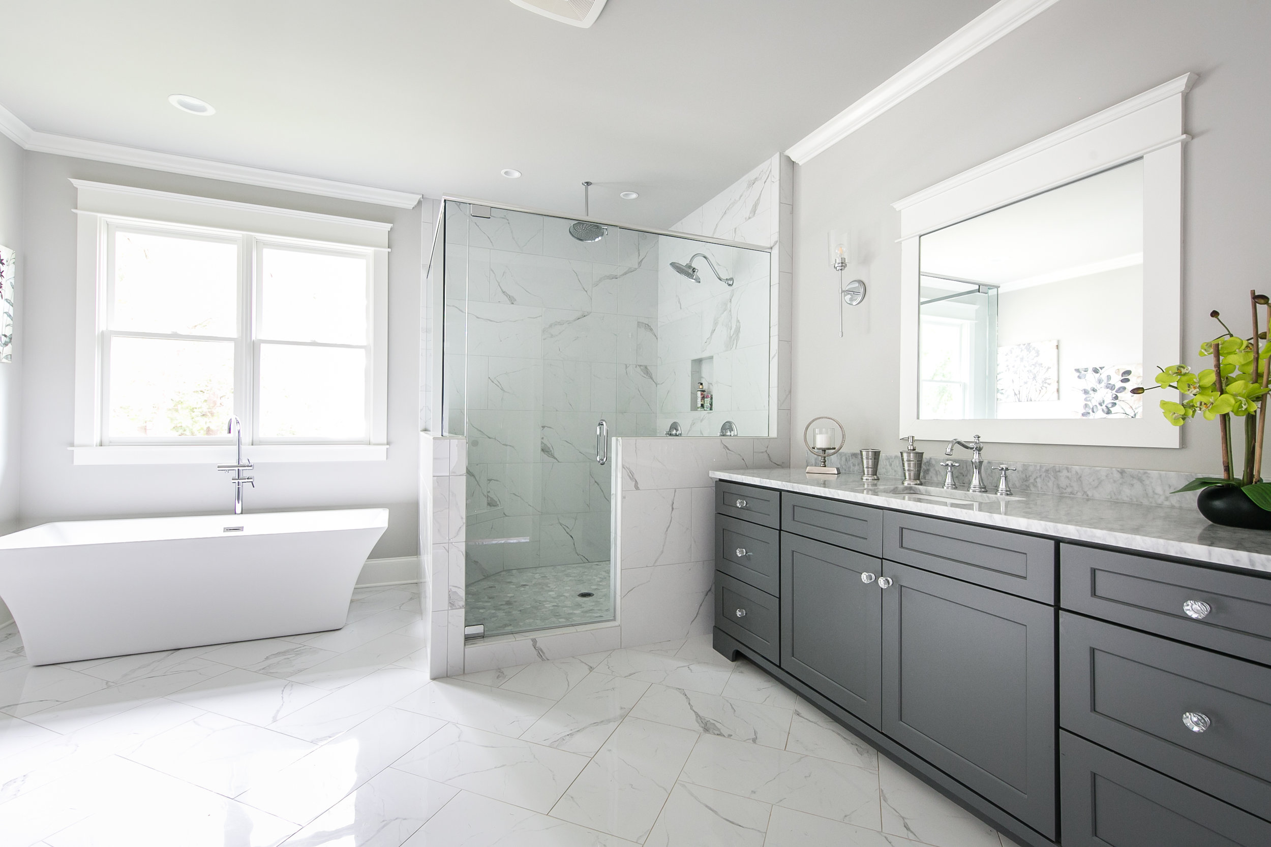 909 3rd Ave-Master Bath 1.jpg