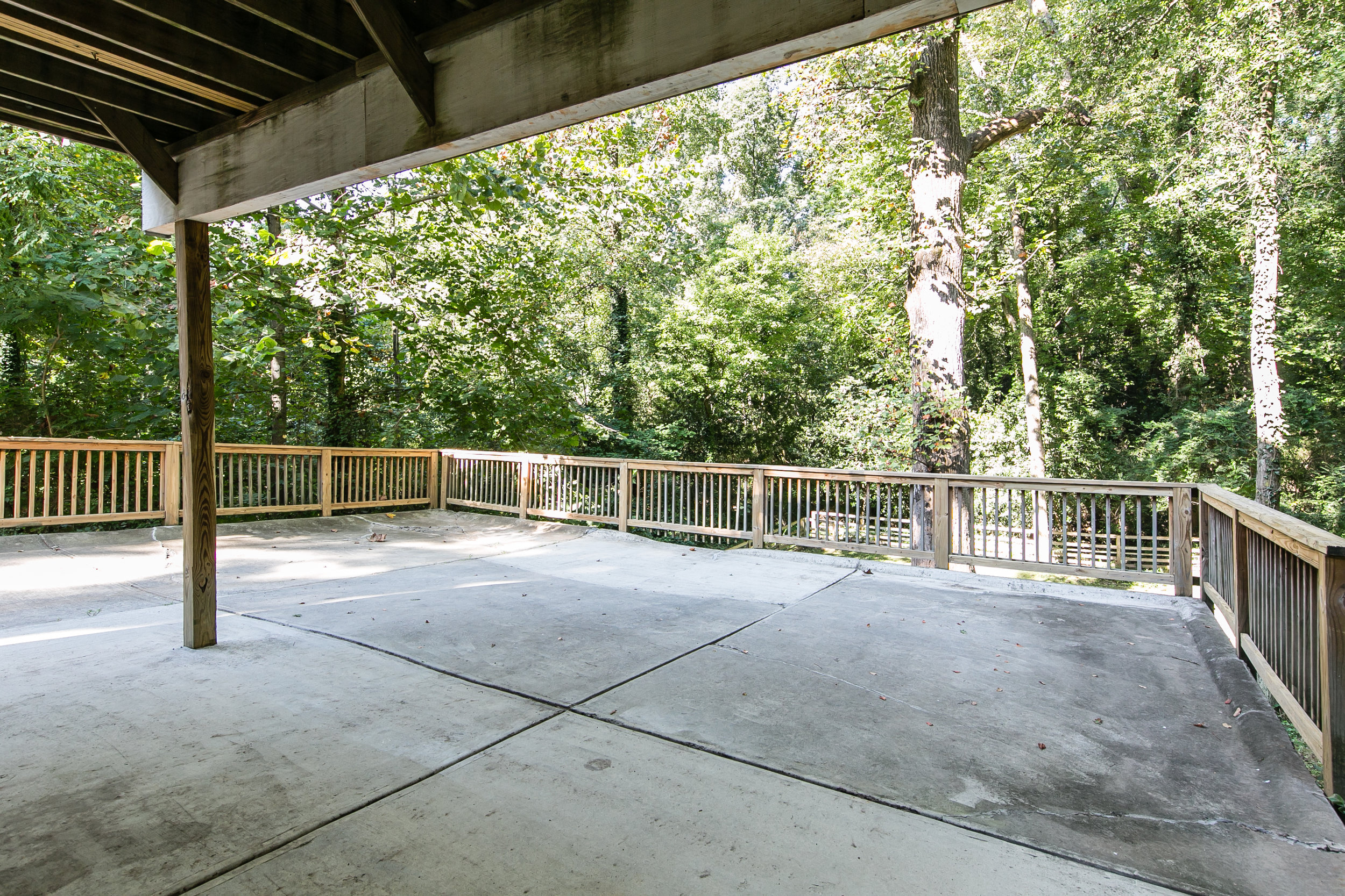28 Lakeview-Back Patio 2.jpg