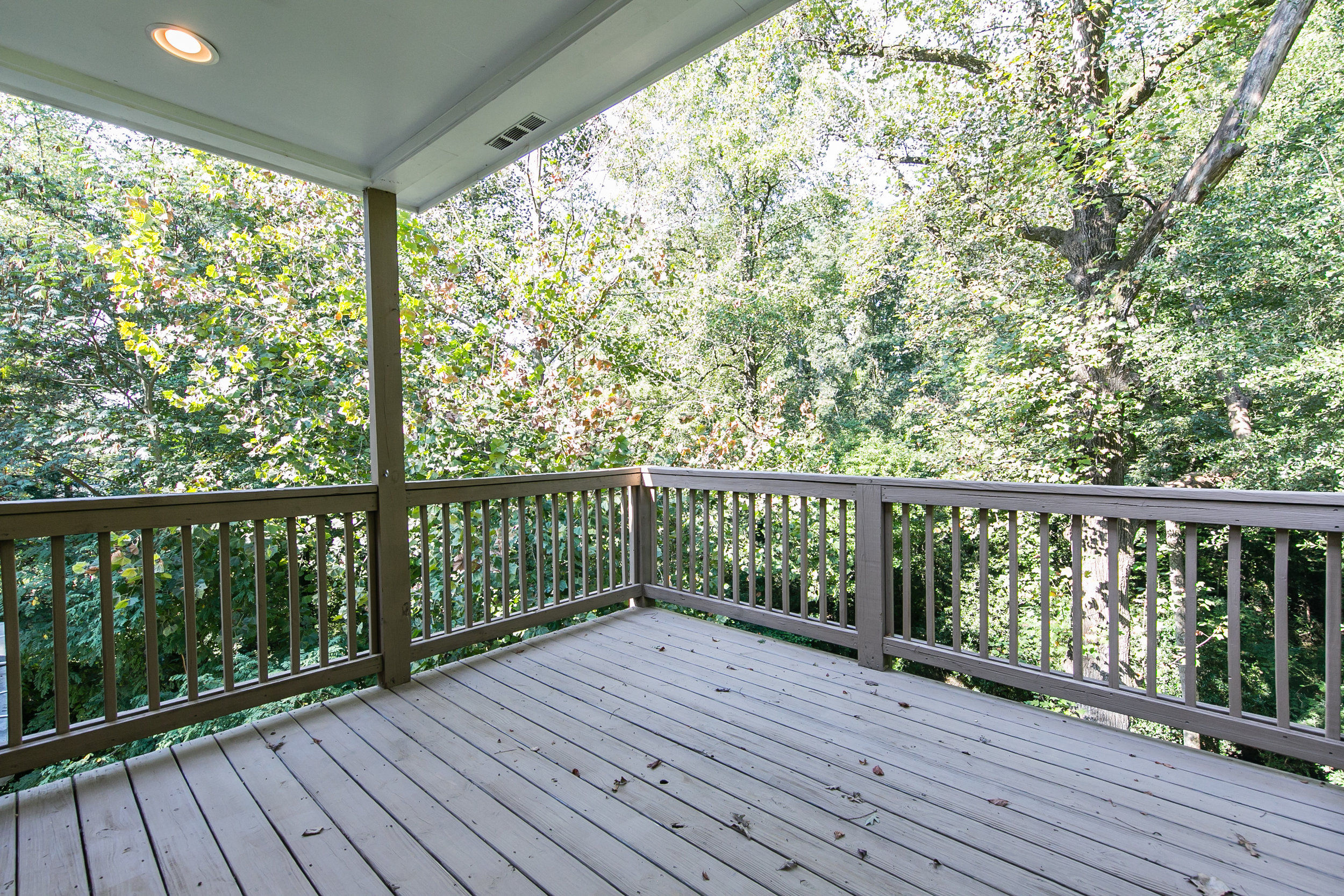 28 Lakeview-Master Deck 2.jpg