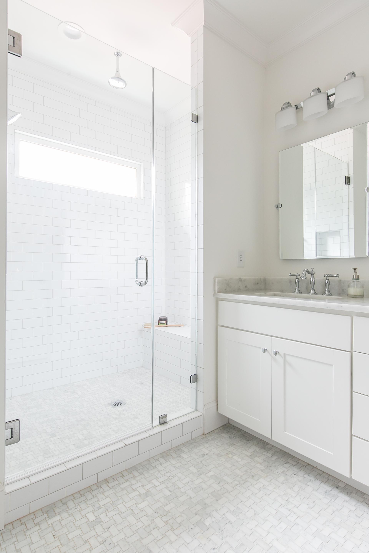 100 Daniel-Master Shower-Vanity.jpg