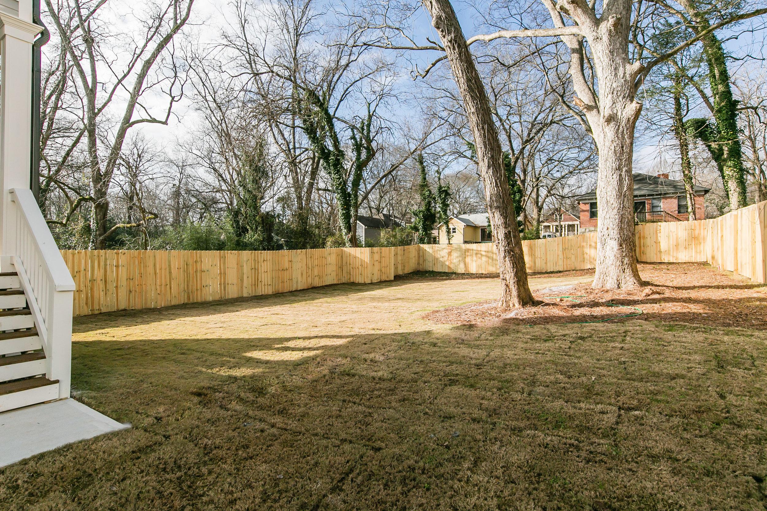 252 Rockyford-Backyard 2.jpg