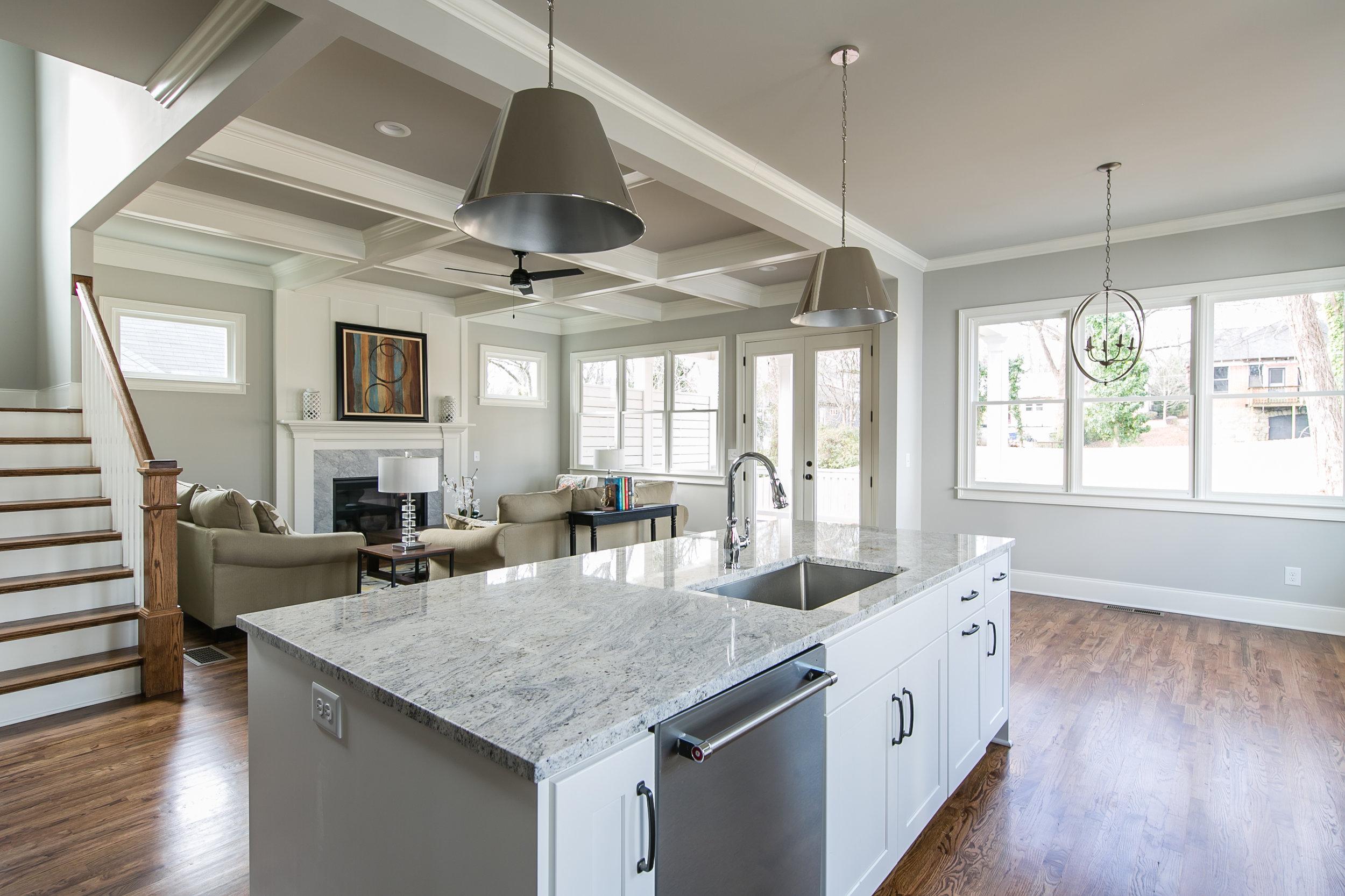 252 Rockyford-Kitchen 3.jpg