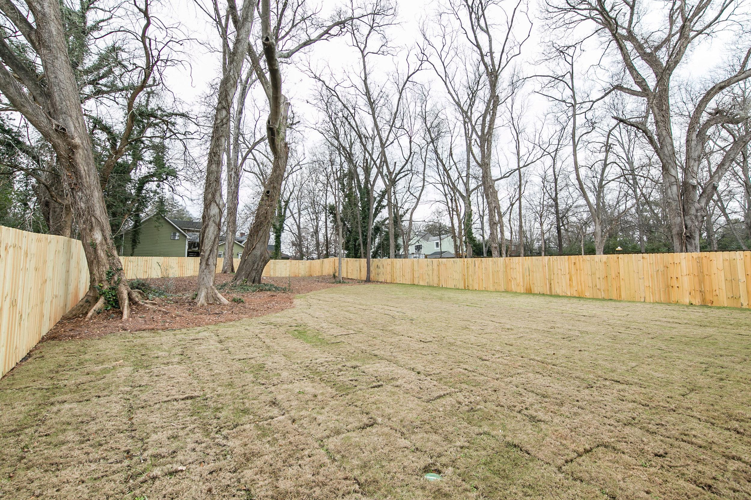 218 Kirkwood-Backyard.jpg
