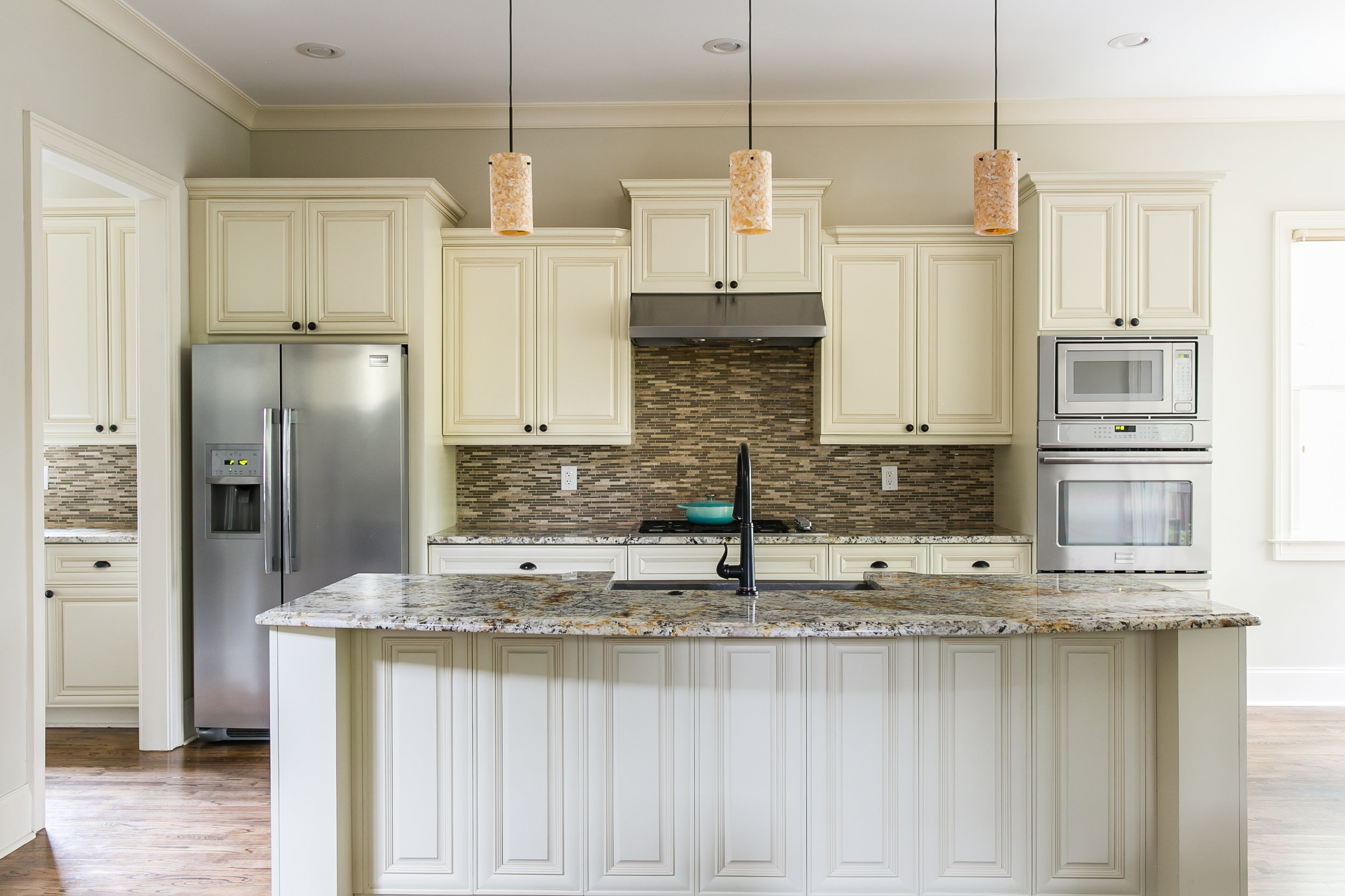 125 Mcclean-Kitchen 2.jpg