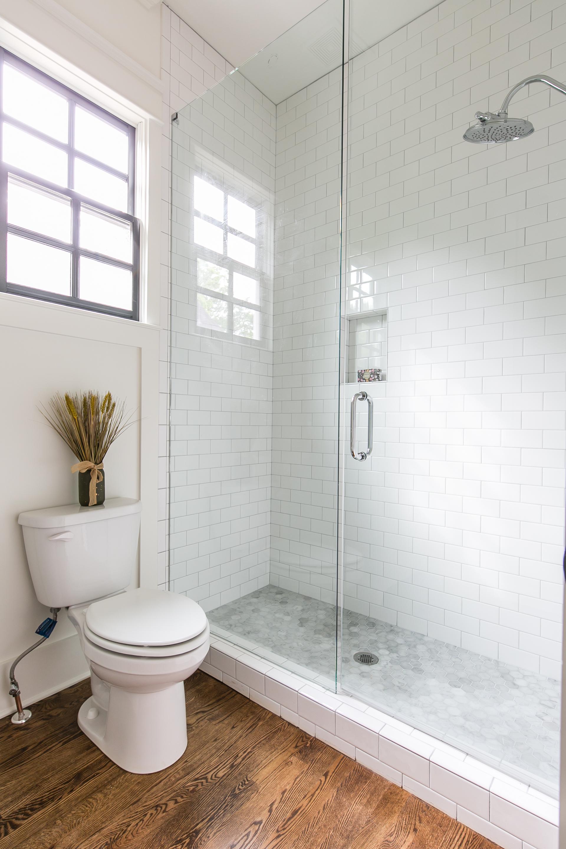 1388 N Morningside-Bath 2b.jpg