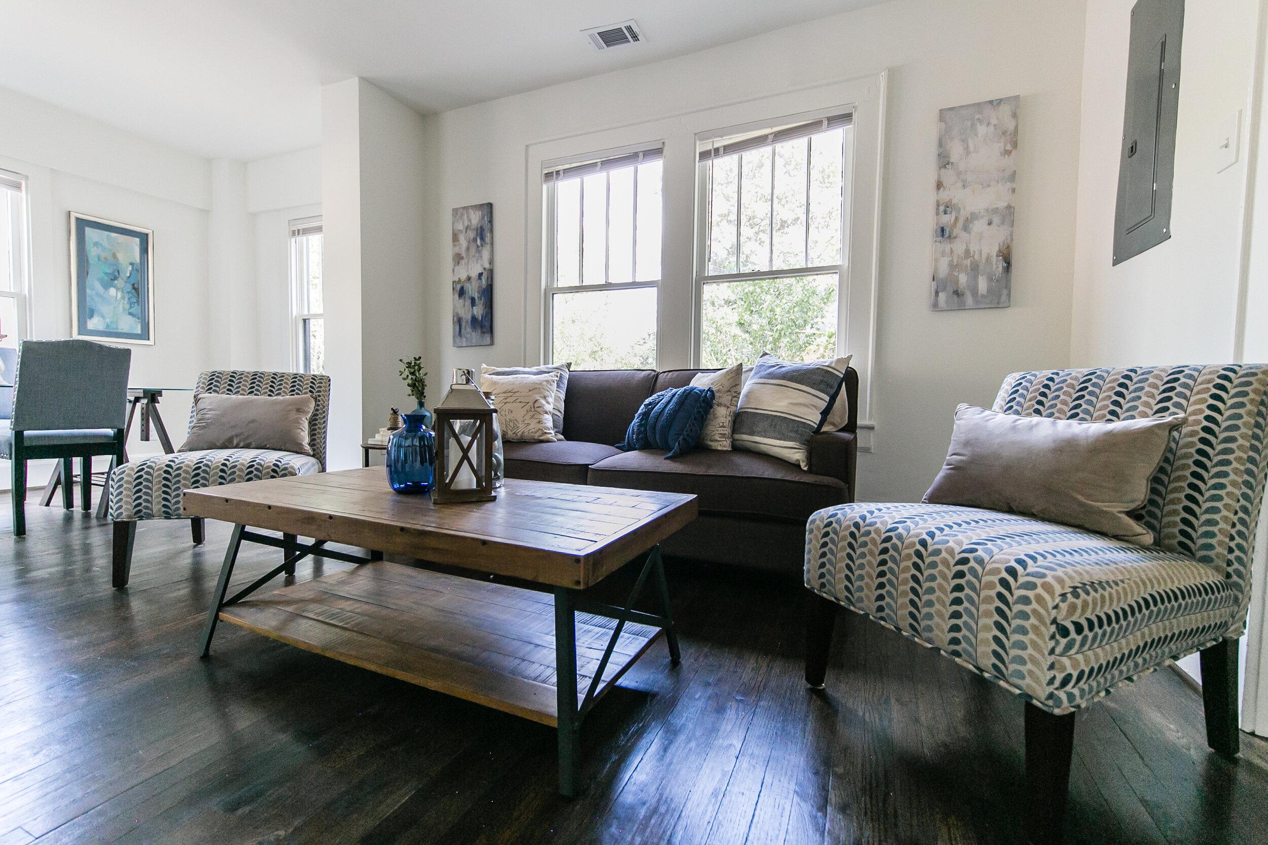 living room 2-3.jpg