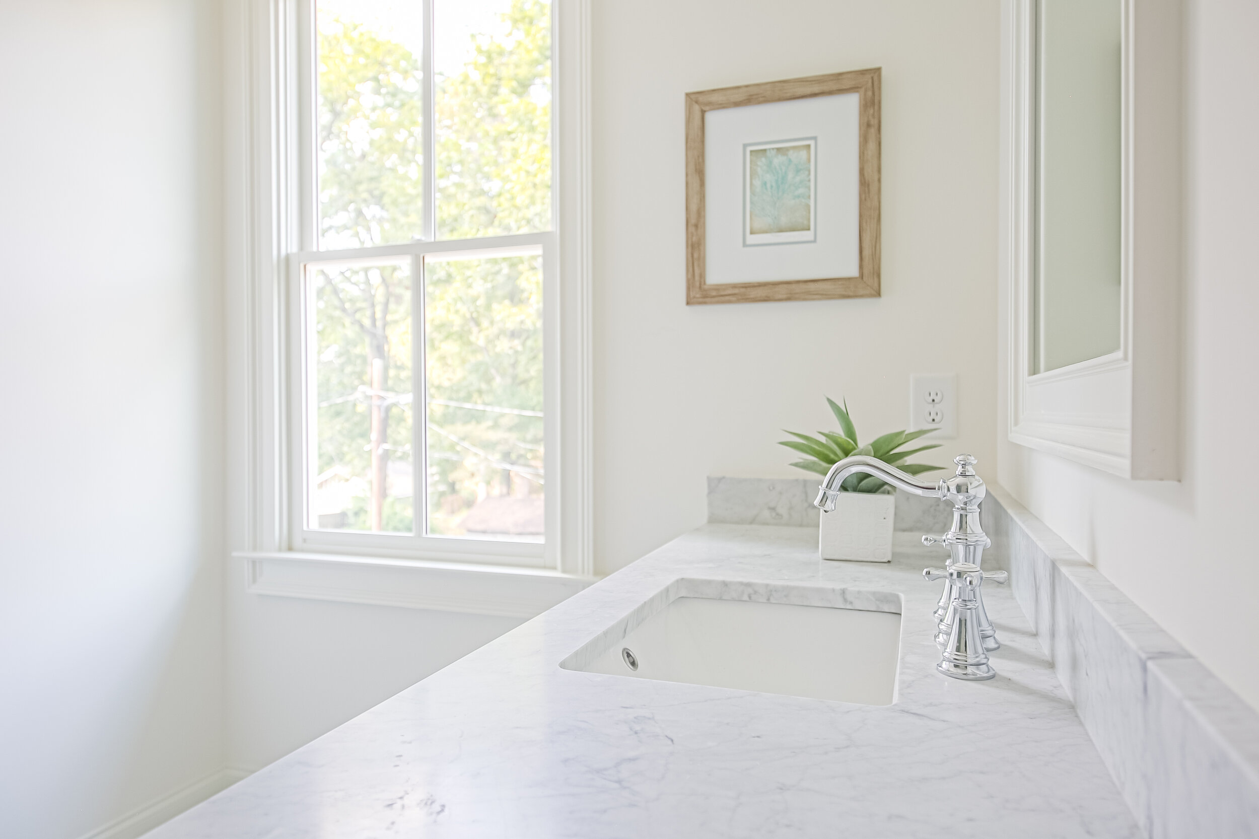 MASTER BATHROOM-3.jpg