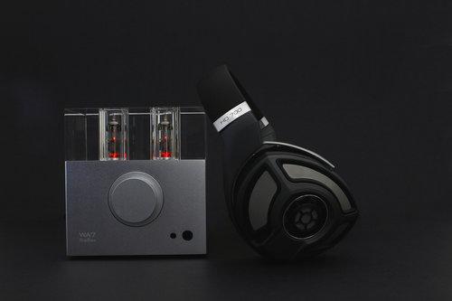 Woo Audio WA7 2nd gen Silver with Sennheiser HD700 Headphones