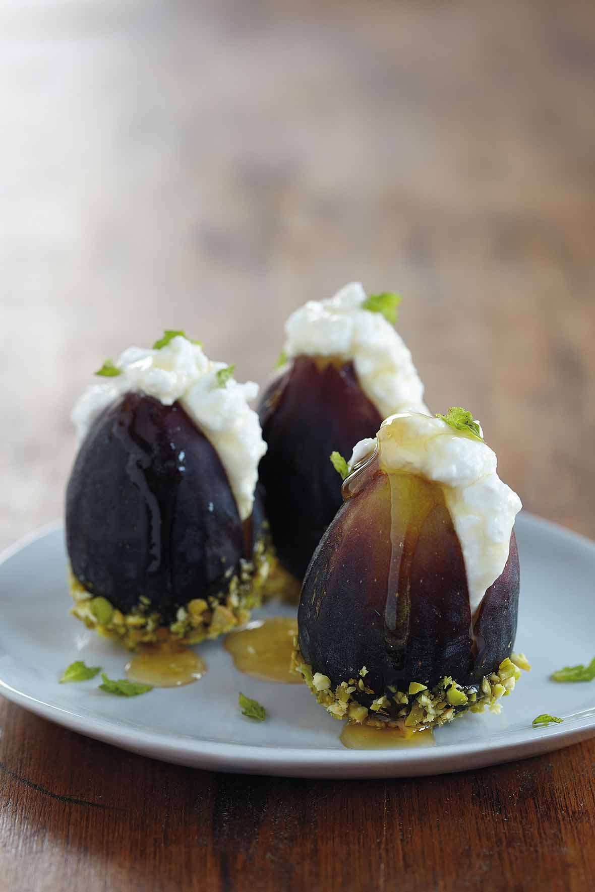 fresh-figs-ricotta-honey.jpg