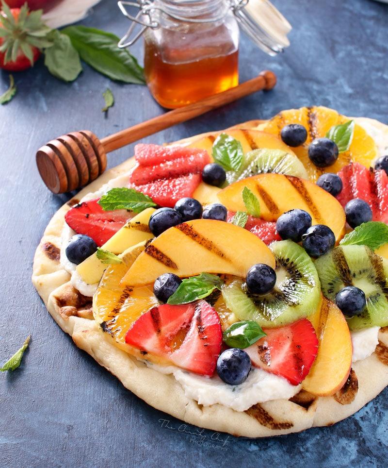 Grilled-Fruit-Pizza-2.jpg