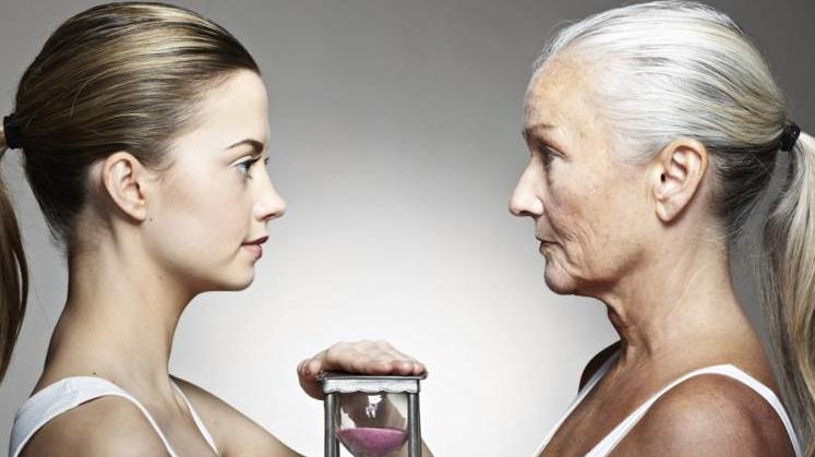 two women aging
