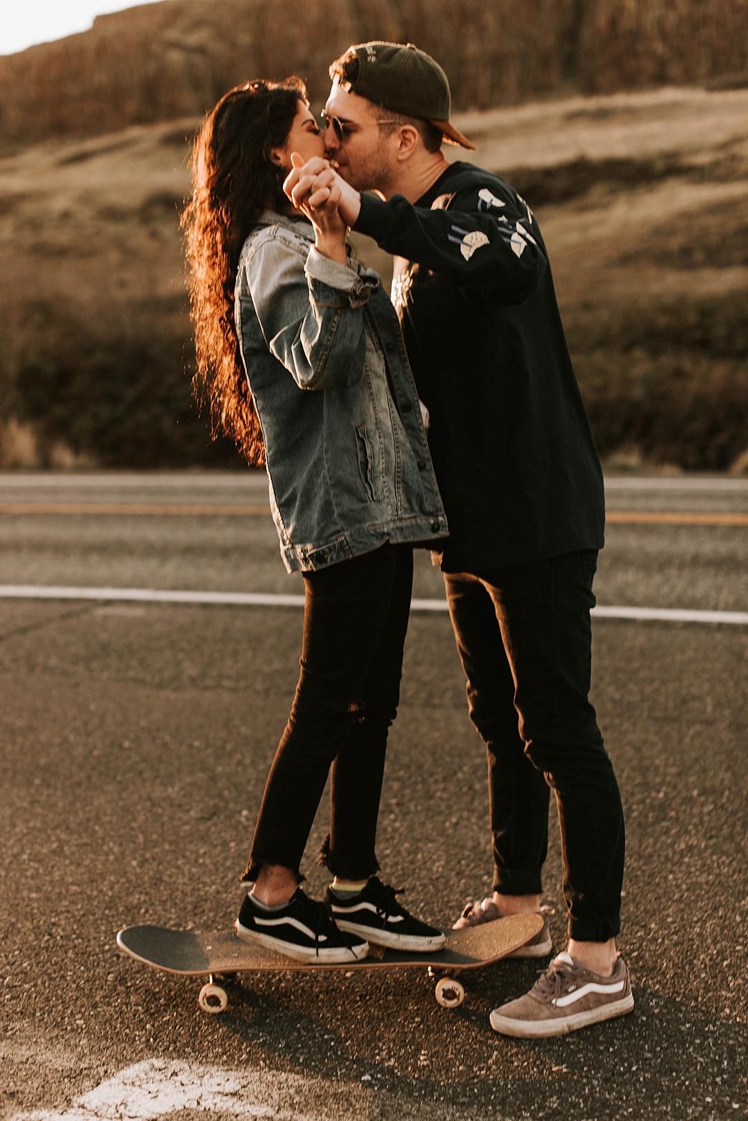 nbp-edgy-skater-couple_0006.jpg