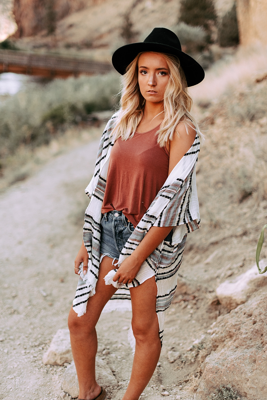 desert boho senior session_0029.jpg