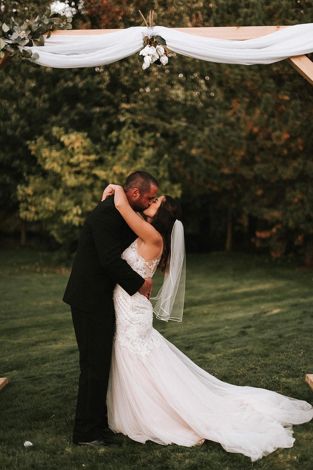 romantic backyard wedding_0035.jpg