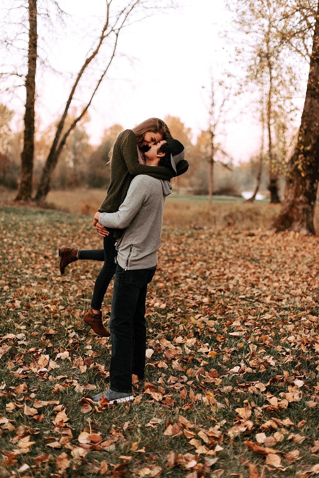 playful fall couple session_0010.jpg