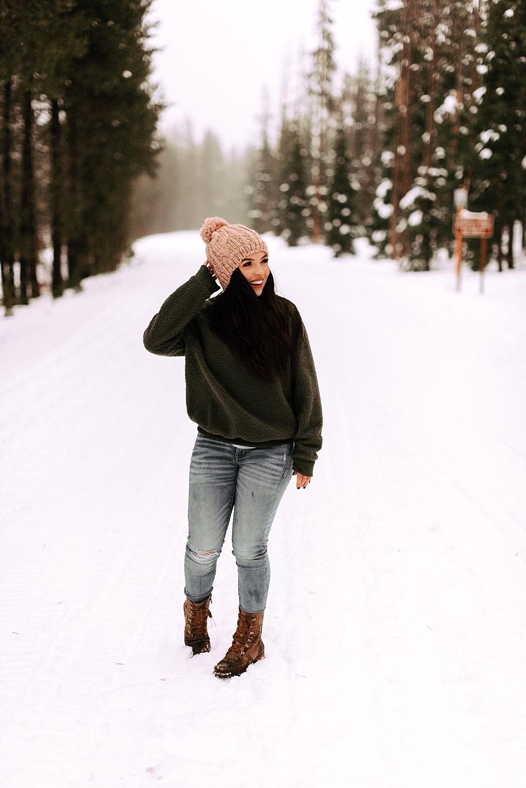 snowy portrait session_0015.jpg