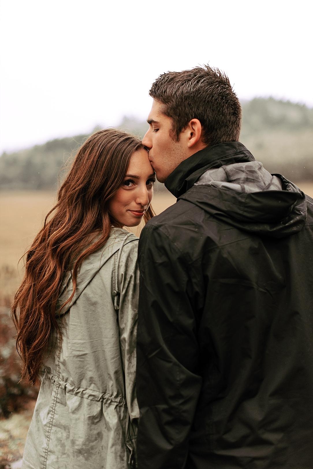 rainy day couple session_0023.jpg