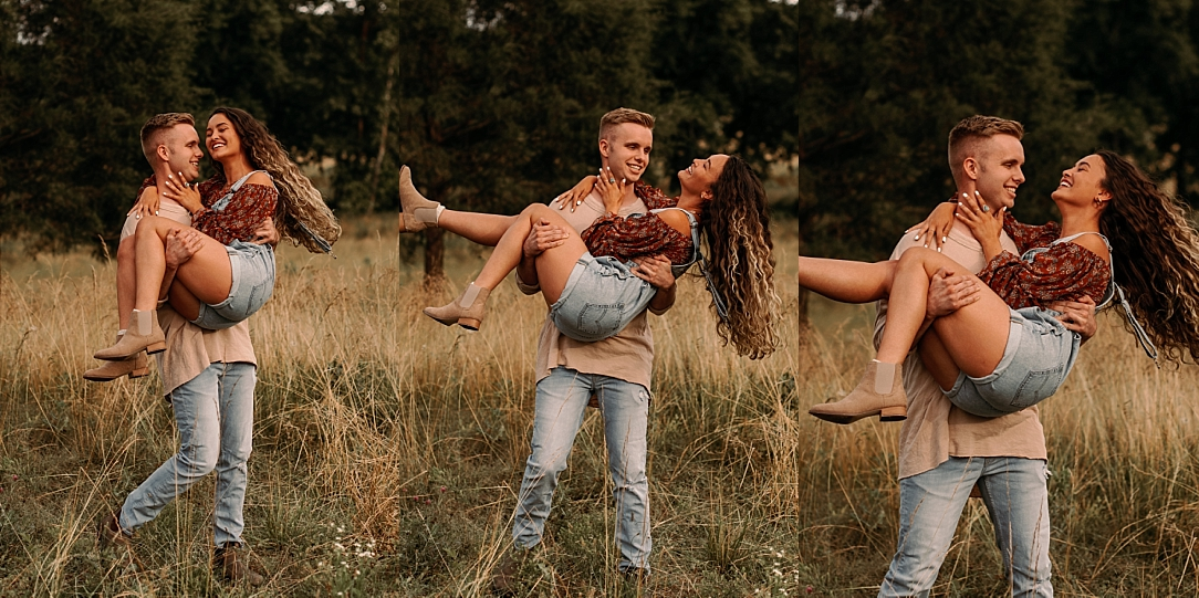 playful summer country field couple session_0006.jpg