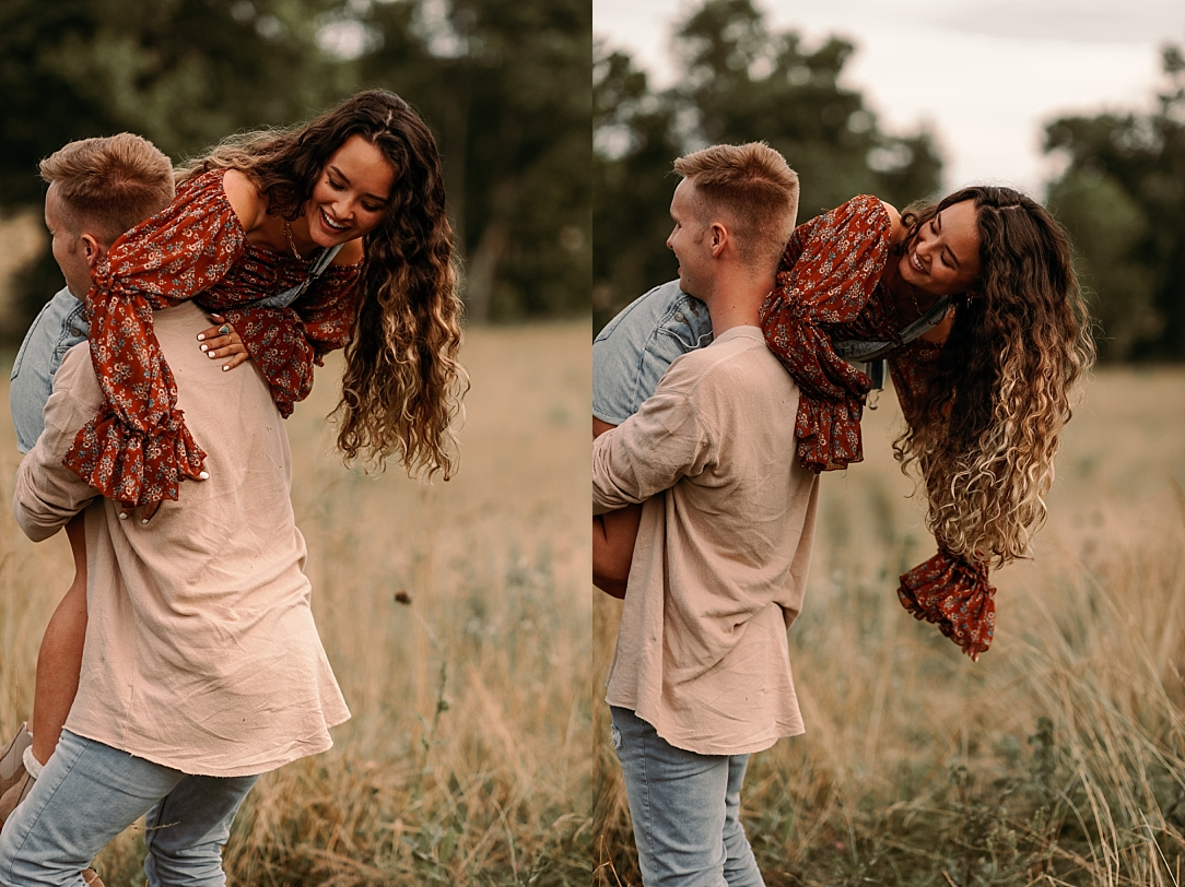 playful summer country field couple session_0035.jpg