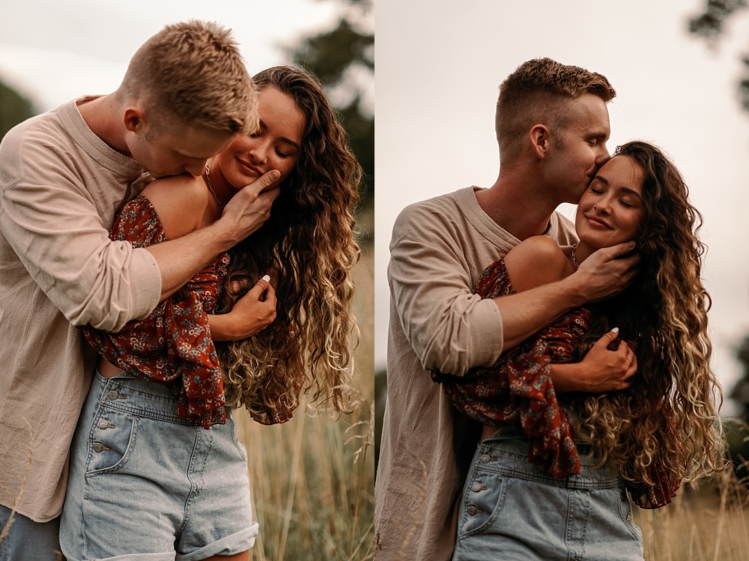 playful summer country field couple session_0044.jpg