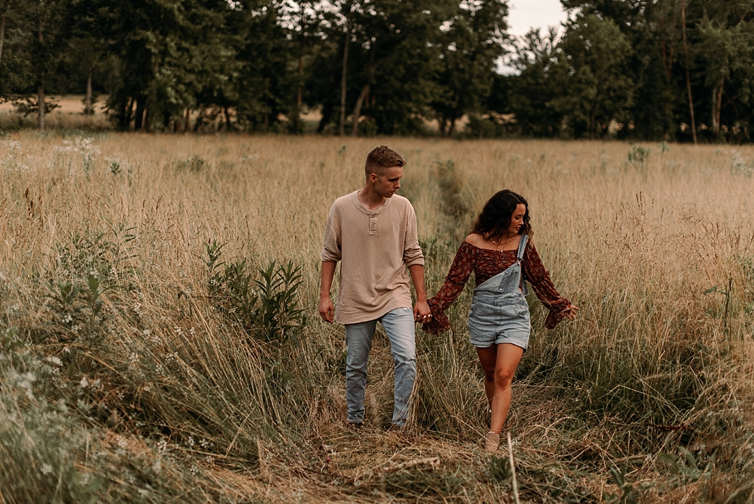 playful summer country field couple session_0062.jpg