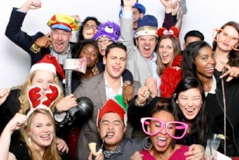 MeboPhoto-Mindshare-Holiday-Party-Photobooth-1.jpg