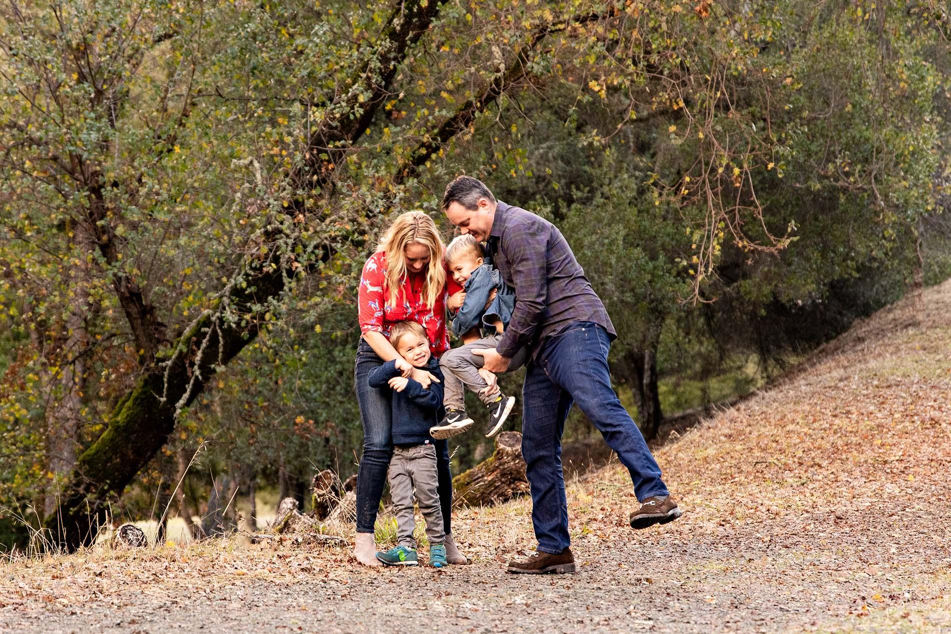 sharon kenney family photography hug