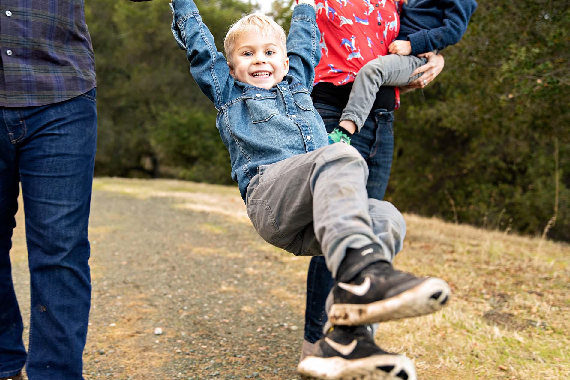 sharon kenney family photography swinging