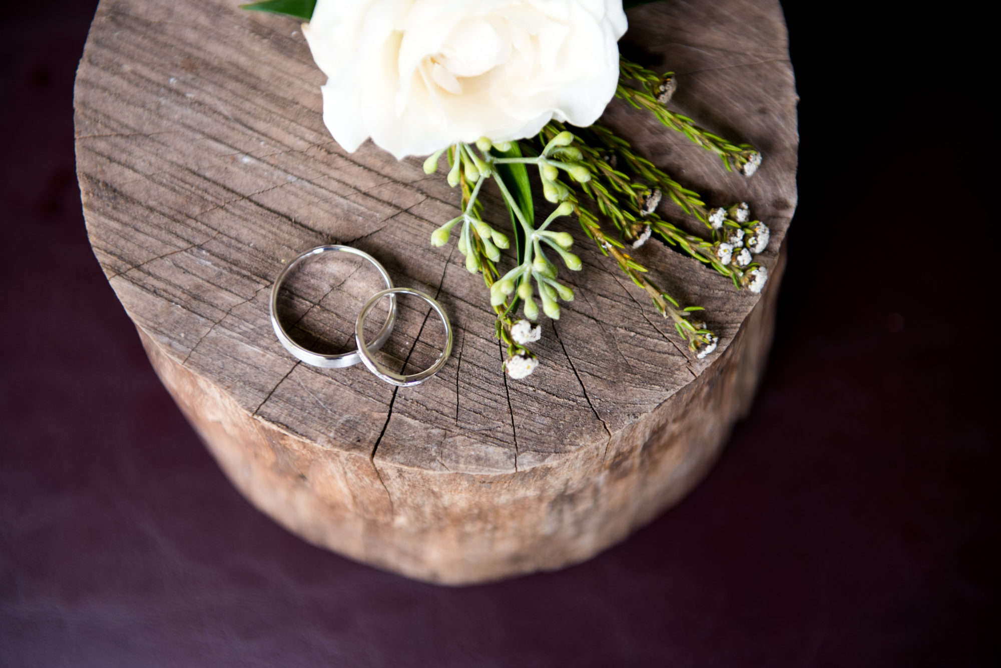 Wedding bands by  Alastair Crombie from Made You Look  and floral arrangements by  Verdi Florists