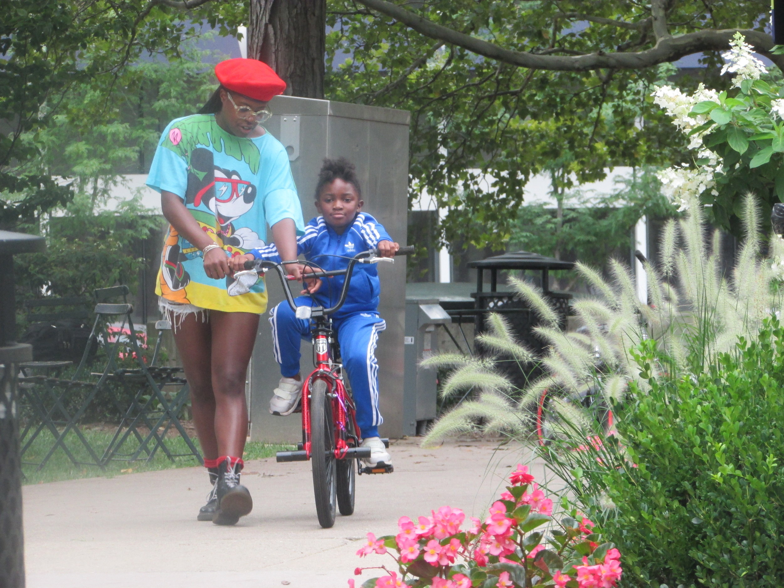 Learn to Ride a Bike with Girls on Bikes