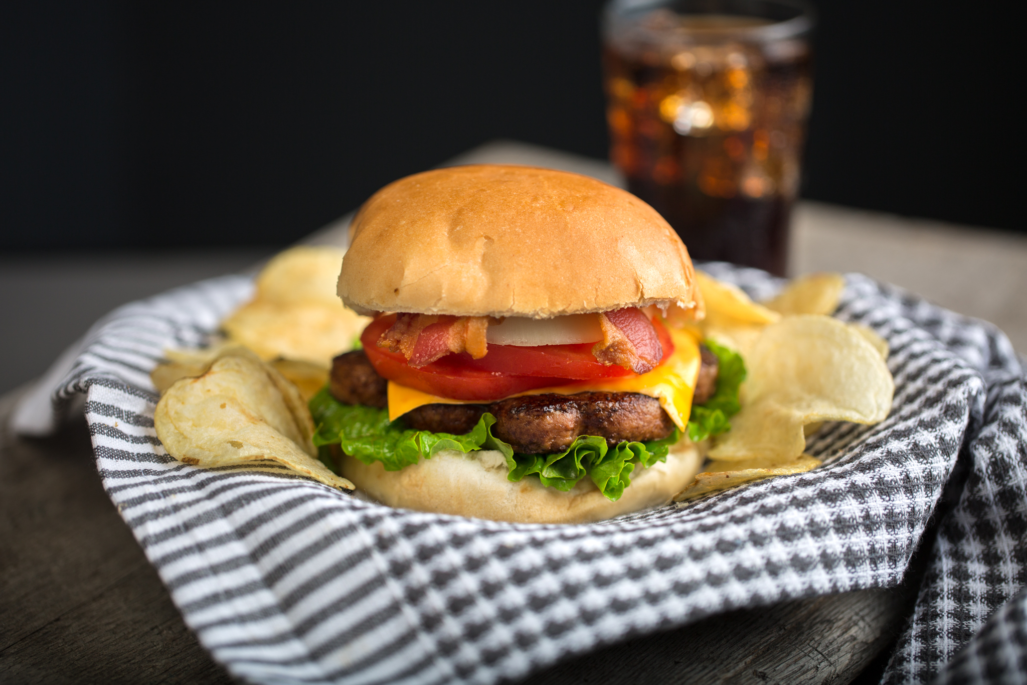 Food Photography // Hamburger // Lamplight Diner // LA Crewe Photography // Lori-Anne Crewe
