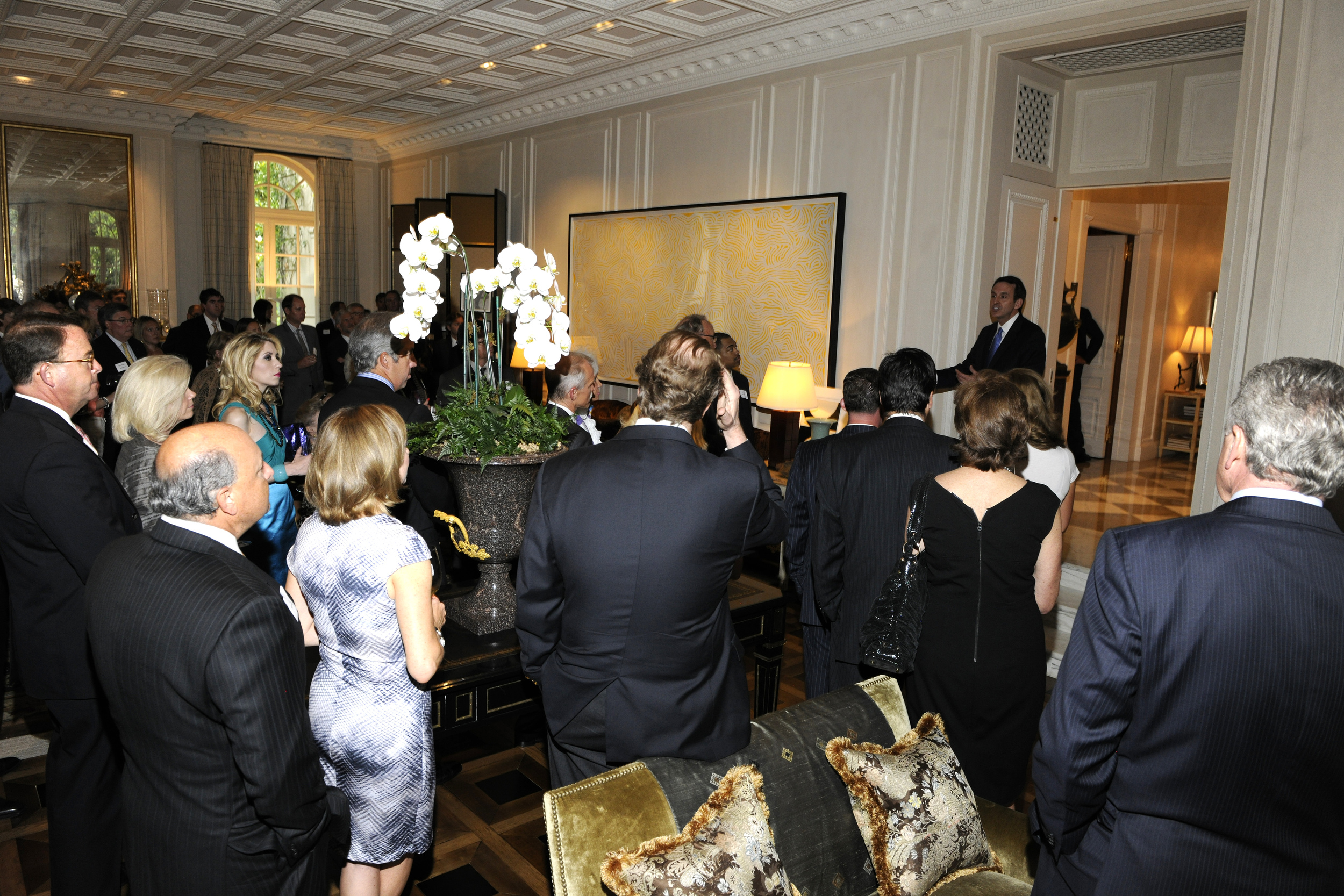 Governor Tim Pawlenty welcomes supporters at a Dallas fundraiser in May 2011.