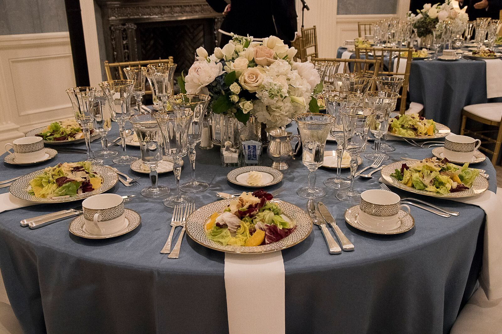 Dinner tables set at the RNC Presidential Trust Dinner at Old Parkland in 2015.