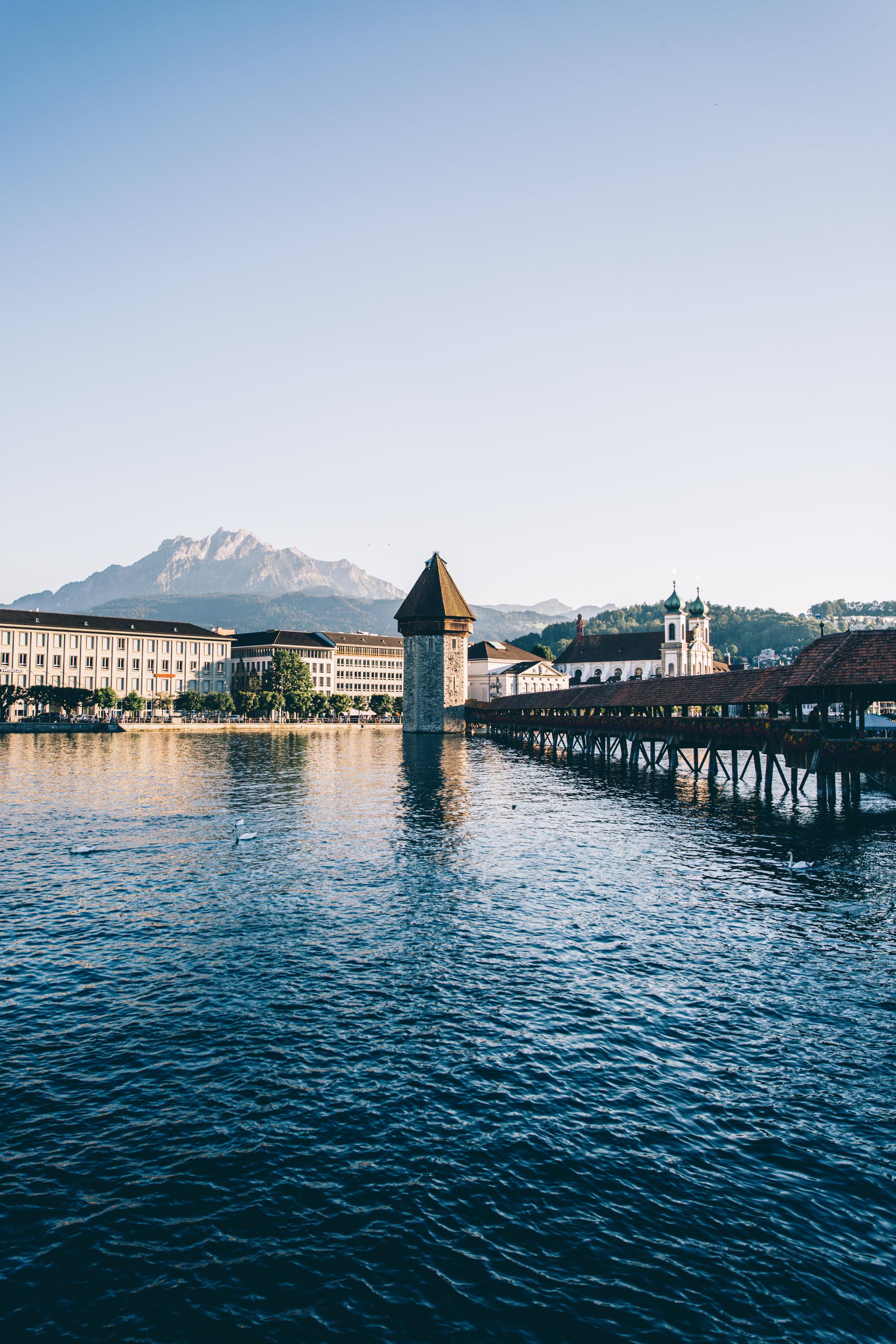 <strong>Schweiz</strong><p></p>